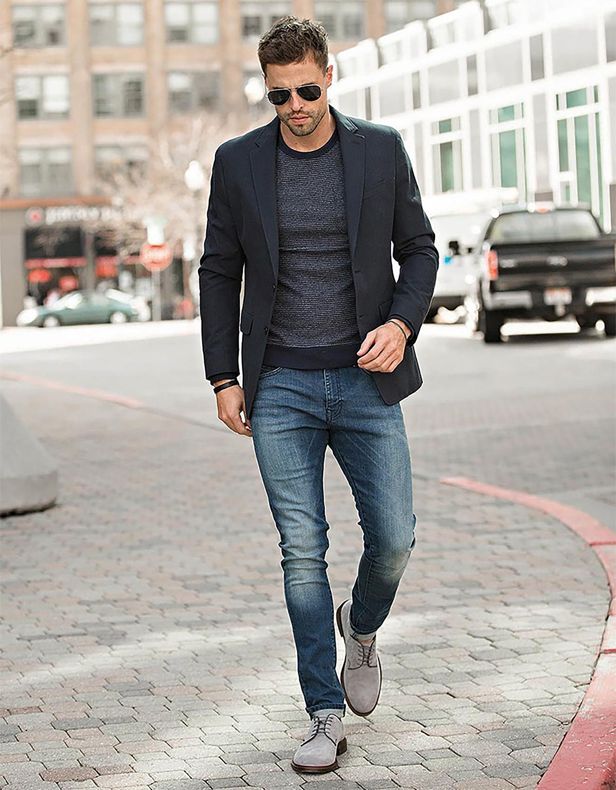 Men's smart casual dress code example