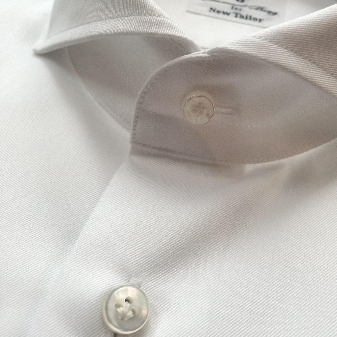 Dress shirt's buttons