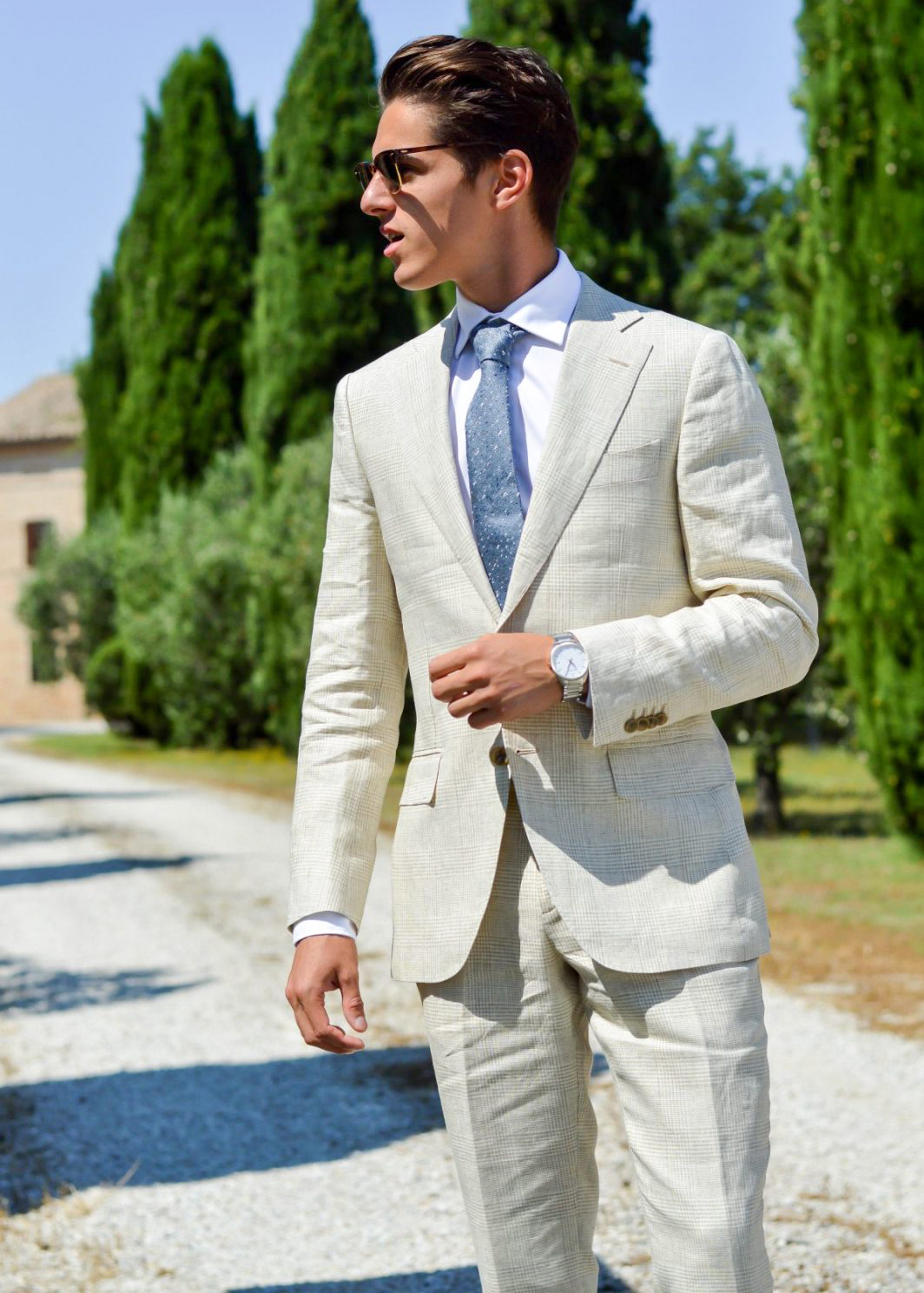 beige suit and white shirt color combinations