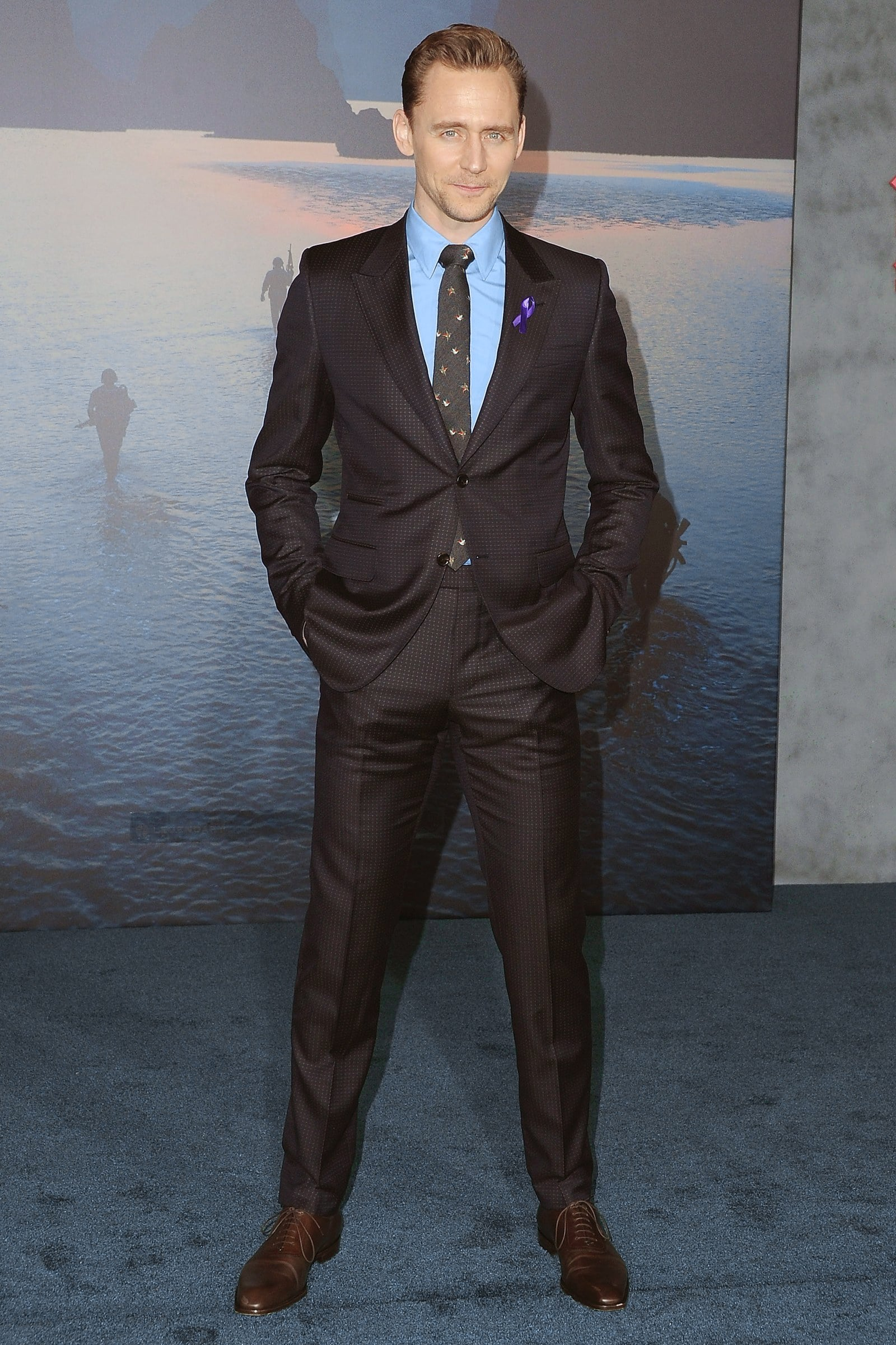 brown oxford shoes for a brown suit and blue shirt