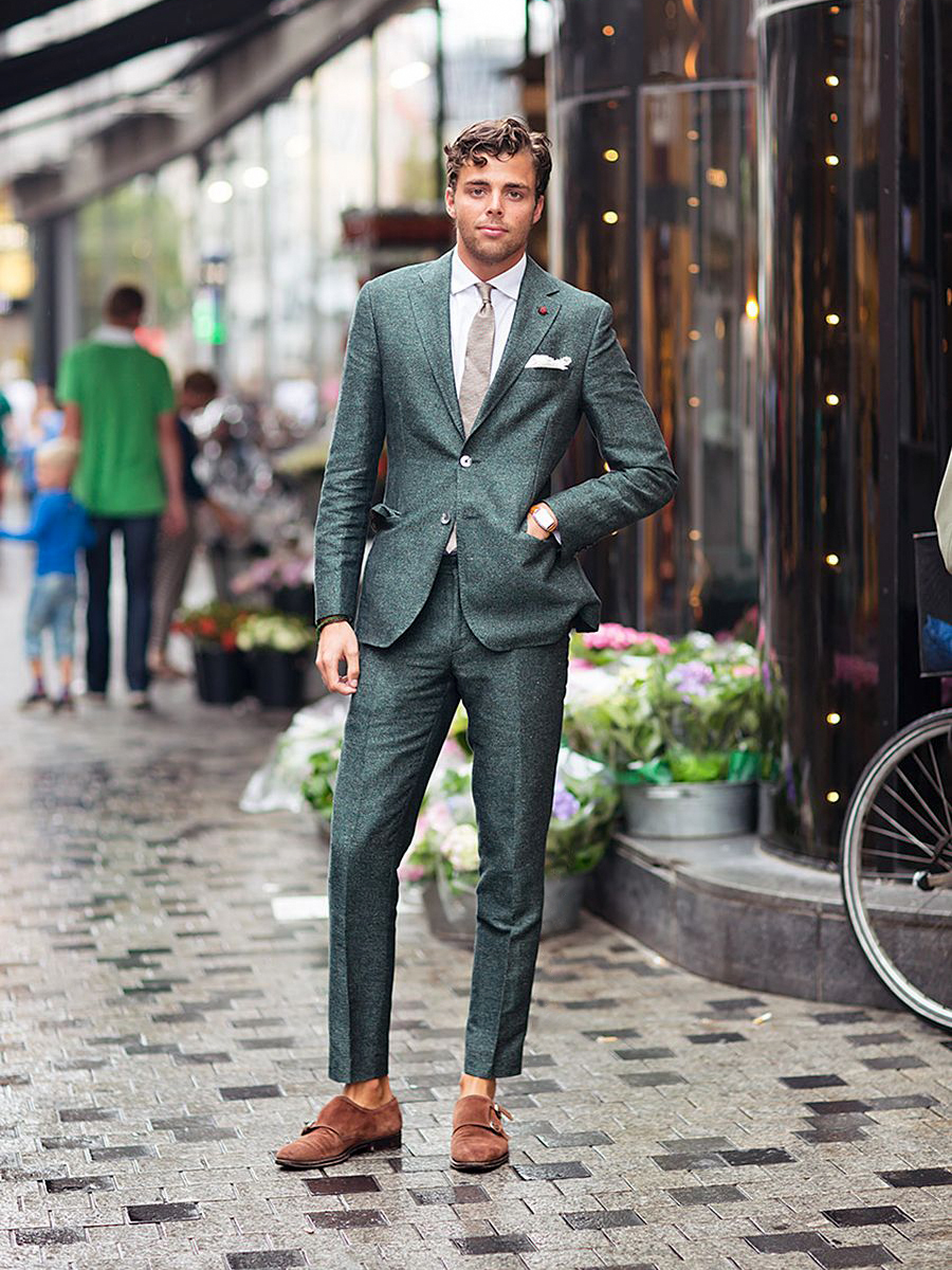 How to successfully pull the green suits look