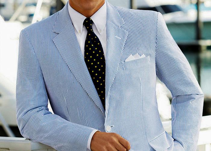how to wear blue seersucker suit