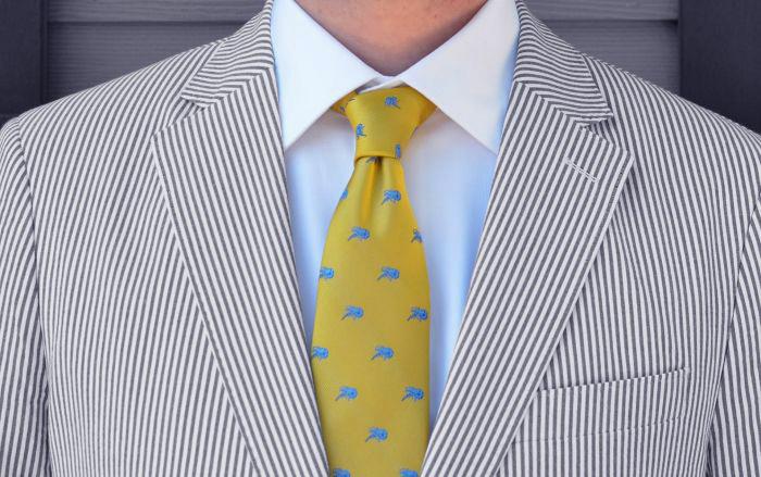 how to wear grey seersucker suit