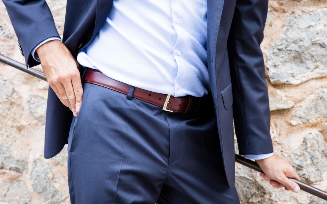 how to wear men's belt with suit