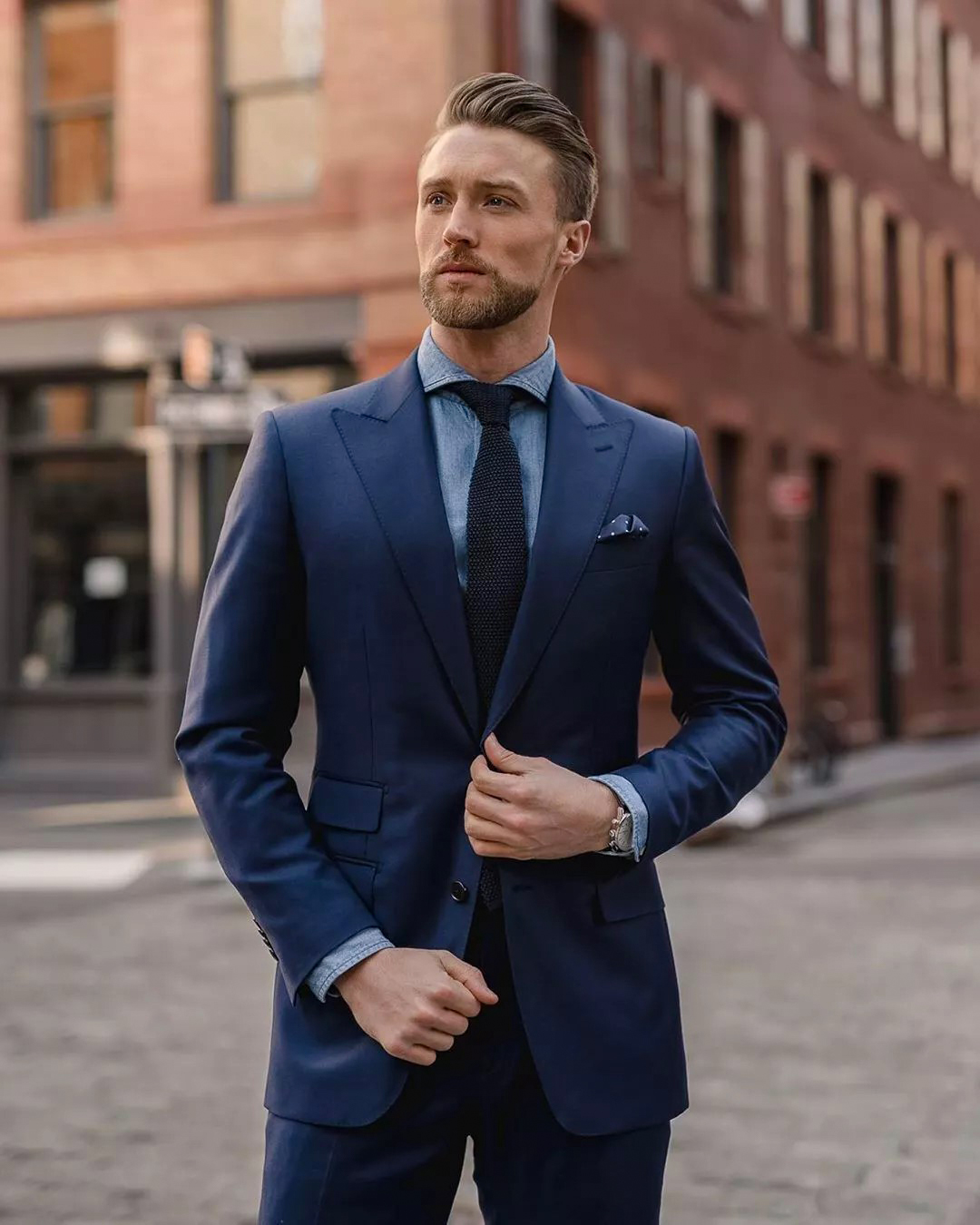 navy suit and blue shirt color combination