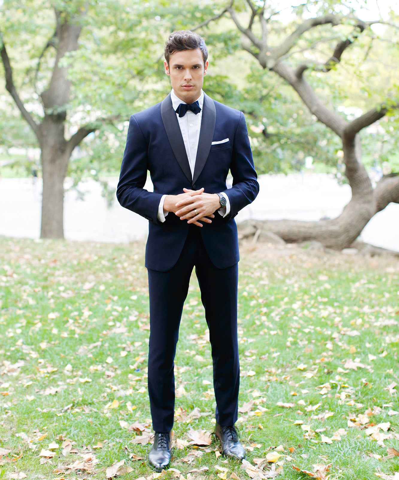 how to wear midnight blue tuxedo