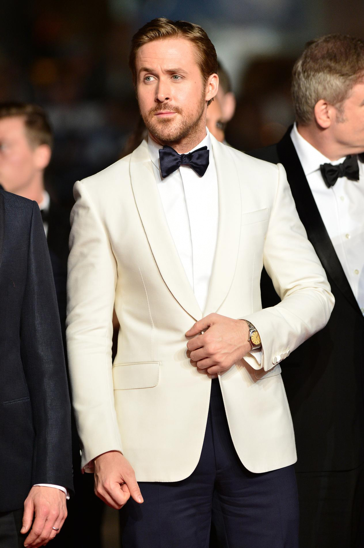 how to wear ivory tuxedo